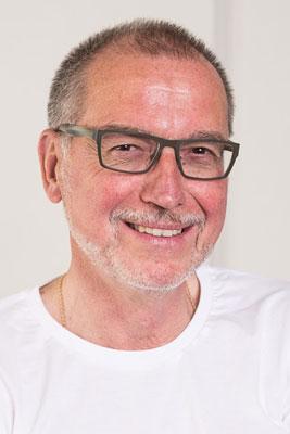 Dr. Hans-Peter Bender