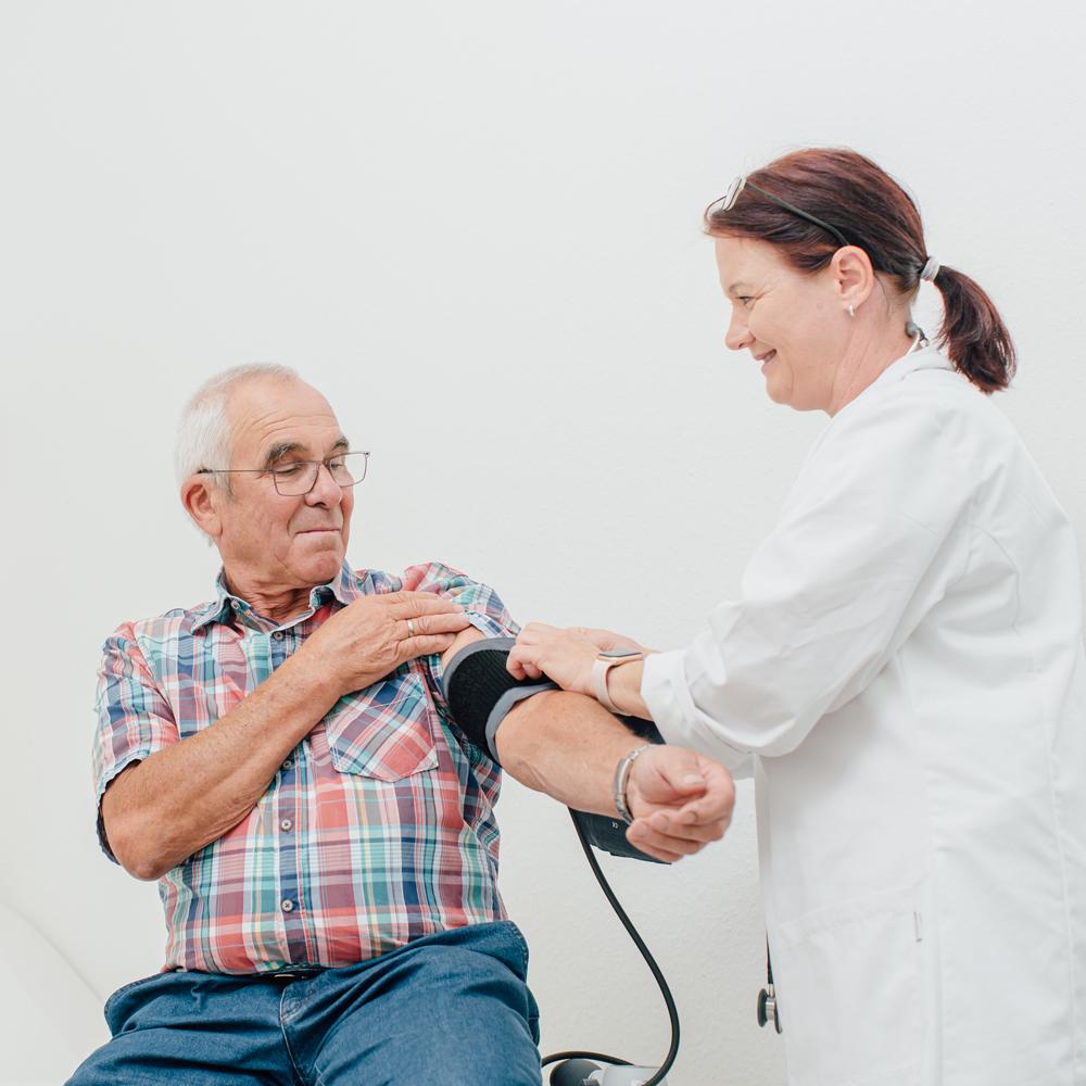 Dr. Matthias Conrad - Arbeits- und Allgemeinmedizin - Blutdruckmessung